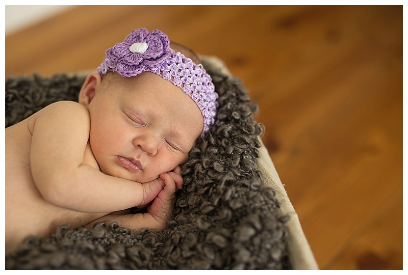 Best Kelowna Newborn Photographer_0055.jpg